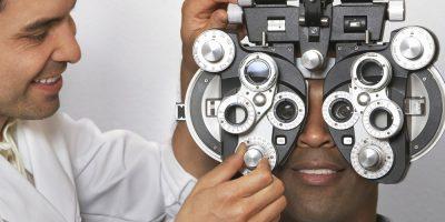 Decidere un fornitore di cure oculistiche è una scelta essenziale per l'assistenza sanitaria. Dopotutto, affiderai il tuo oculista per proteggere il tuo caro senso della vista e aiutarti a sostenere una vita di buona visione.